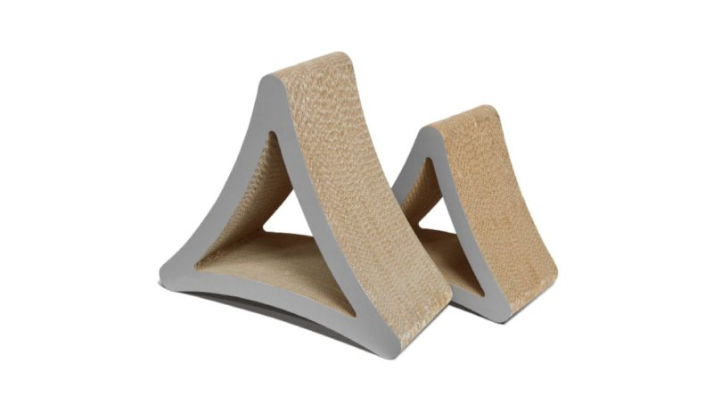 PetFusion 3-Sided Vertical Cat Scratching Post – Review